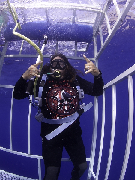 Chuck Billy in shark cage